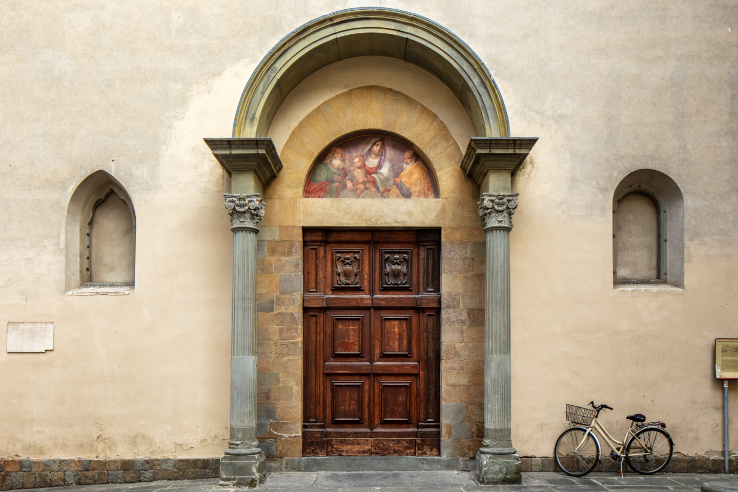 Color Photograph, Travel, Tuscany, Chiesa dei Santi Simone e Giuda, Florence, Italy, August 2, 2018